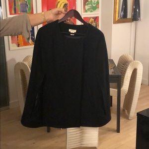 Minanwong black cape